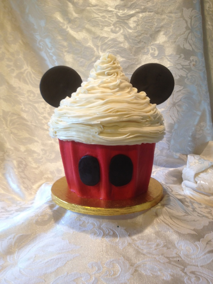 mickey mouse giant cupcake ideas