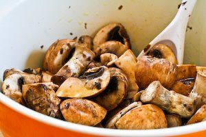 ... Recipe for Roasted Mushrooms with Garlic, Thyme, and Balsamic Vinegar