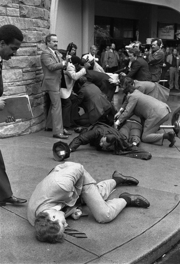 John Hinckley Jr's assassination attempt on Ronald Reagan in March of ...: pinterest.com/pin/119486196335730912