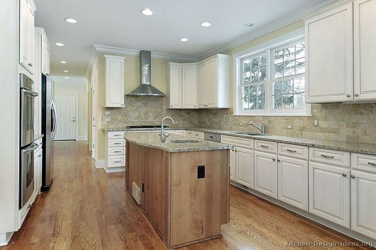 light airy feel of the two tone kitchen cabinets #31 (Kitchen Design