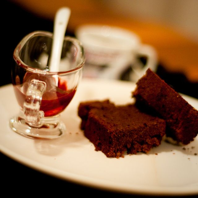 Chocolate chickpea cake | Eat Me! | Pinterest