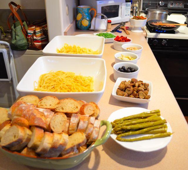 Food bar pasta bar parties holidays pinterest for Food bar party