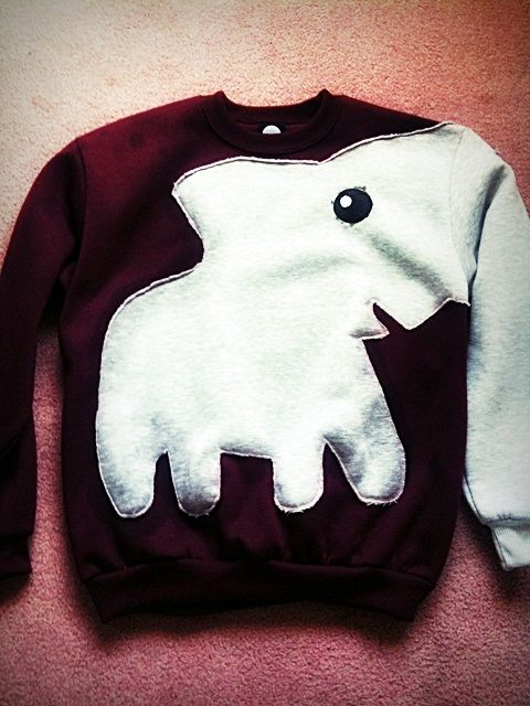 Elephant sleeve DIY sweater, so stinkin cute and weird. love it!