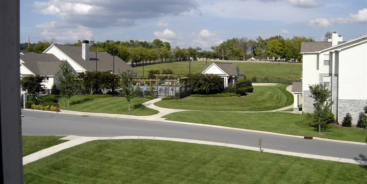 Stoneridge Farms At The Hunt Club Is Located In The Town Of Gallatin Tennessee Providing