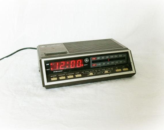 vintage 70s ge clock radio digital alarm growing up in the 70 39 s p. Black Bedroom Furniture Sets. Home Design Ideas