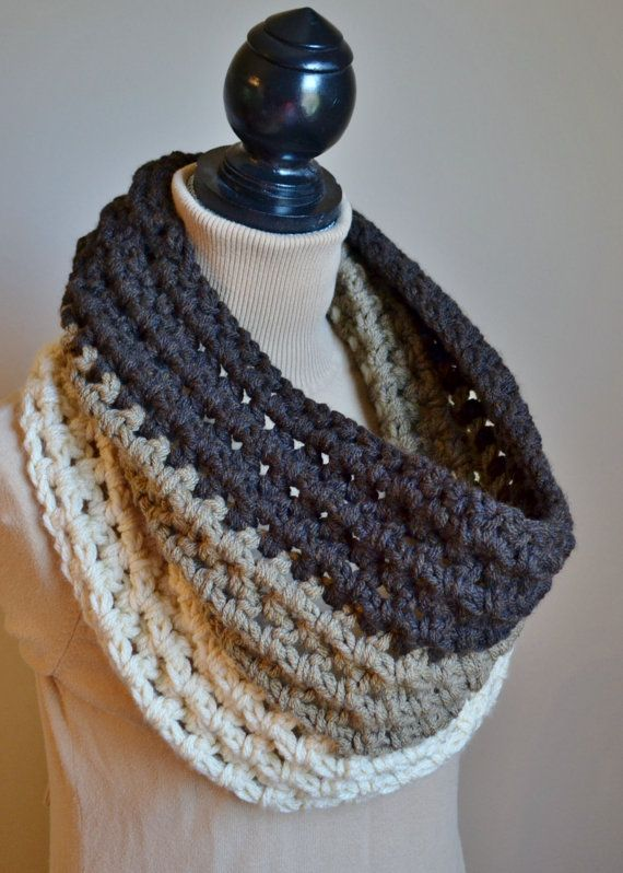 Crochet Patterns For Cowl : The Ombre Chunky Crochet Cowl