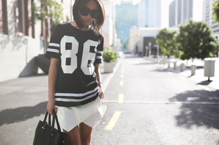 MagTag - How Ladies Wear the Sports Jersey