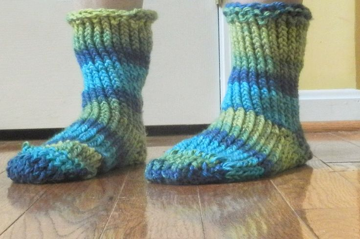 Loom Knitting Patterns For Slippers : Pin by Lynda Schrader on DIY & Crafts Pinterest