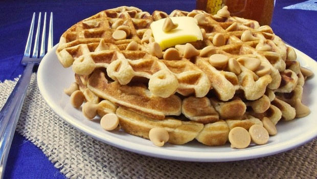 peanut butter waffles | breakfast | Pinterest