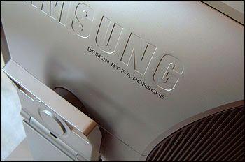Samsung F.A. Porsche Design 171P LCD Display