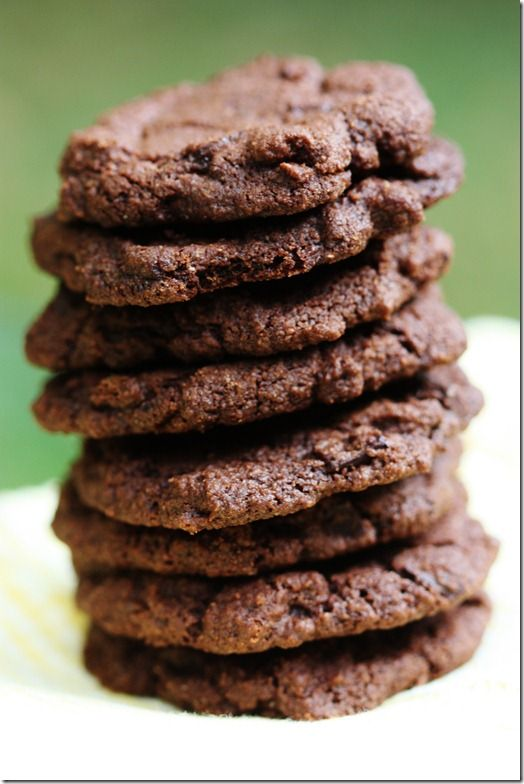 Vegan Double Chocolate Chunk Cookies. Made with whole wheat flour.