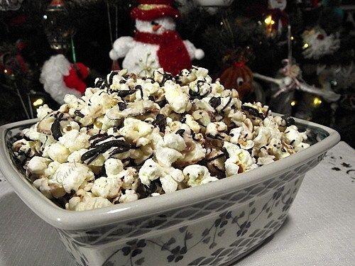 Almond Toffee Double Chocolate Popcorn-Thank you Jenny @ Picky Palate!