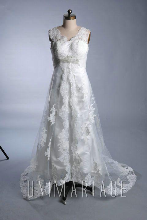 robes de mariées 2013 en dentelle col v  Robe de mariée 2013 ...