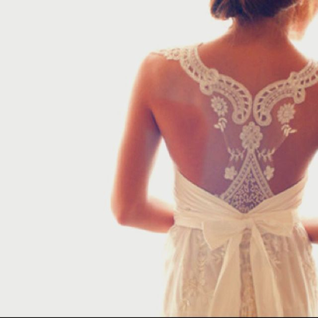 lovelovelove the back! and the bow!