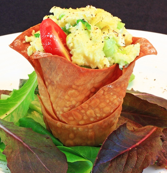 Chive and Cream Cheese Scrambled Eggs in Wonton Cups