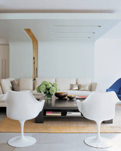 In The Modern Living Room Of Architect Gisue Hariri A Bright White
