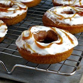 Pumpkin Baked Doughnuts with Pumpkin Spice Cream Cheese Icing