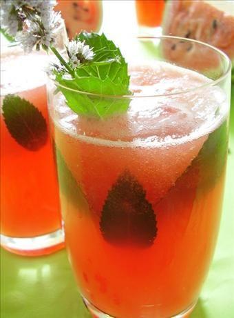 Agua Fresca de Melon (Watermelon Sparkling Water). Photo by Thorsten