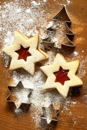 Star Linzer Cookies with Jam | Baking Tips | Pinterest
