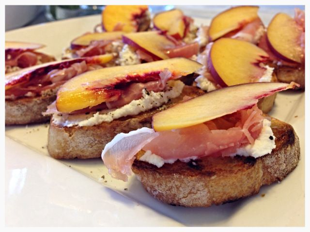 peach and prosciutto brushetta! | Recipes to try | Pinterest