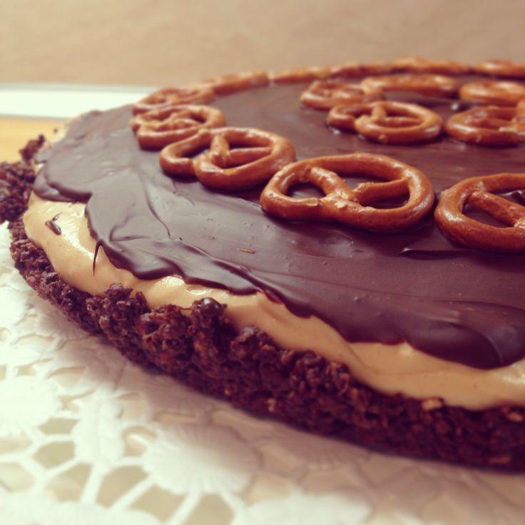Peanutbutter chocolate pretzel tart | Food | Pinterest