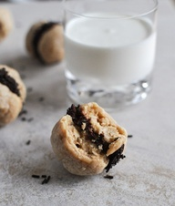 Peanut Butter Oatmeal Cookie Sandwiches with Whipped Chocolate Ganach ...