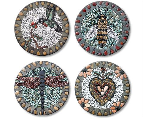 Bee pebble mosaic stepping stone mosaics pinterest - Stepping stones and pebbles ...