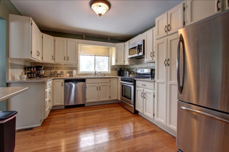 68 American Black Walnut En Suite as well 537687642983192571 in addition 197102921166203905 likewise 4c759d3ef5e66fb2 Beautiful Modern Kitchen additionally 211 Elbern Markell Dr Beautiful Home For Sale In W. on beautiful kitchens