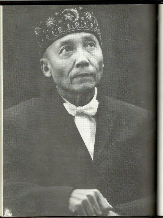 the nation of islams elijah muhammad The nation of islam holds to a form of islam, but it is considered heretical by traditional muslims it incorporates aspects of scientology and many beliefs tied to black supremacy after w muhammad's disappearance in 1934, elijah muhammad (born elijah poole) took over leadership of.