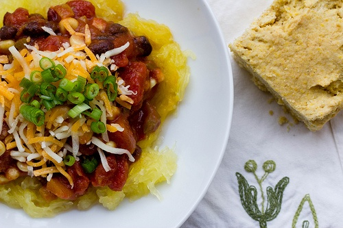 Squash and black bean chili | yum | Pinterest