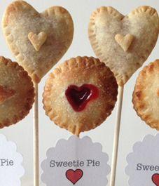 Recipe: Heart-shaped pie pops