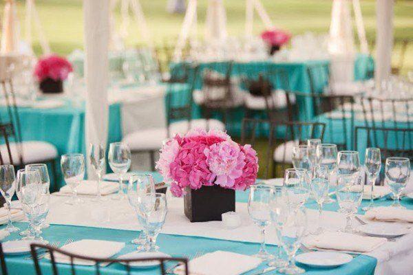 Aqua and Pink wedding reception table decor