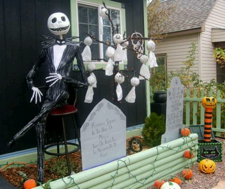 nightmare before christmas outdoor decoration ideas parties by - Nightmare Before Christmas Lawn Decorations