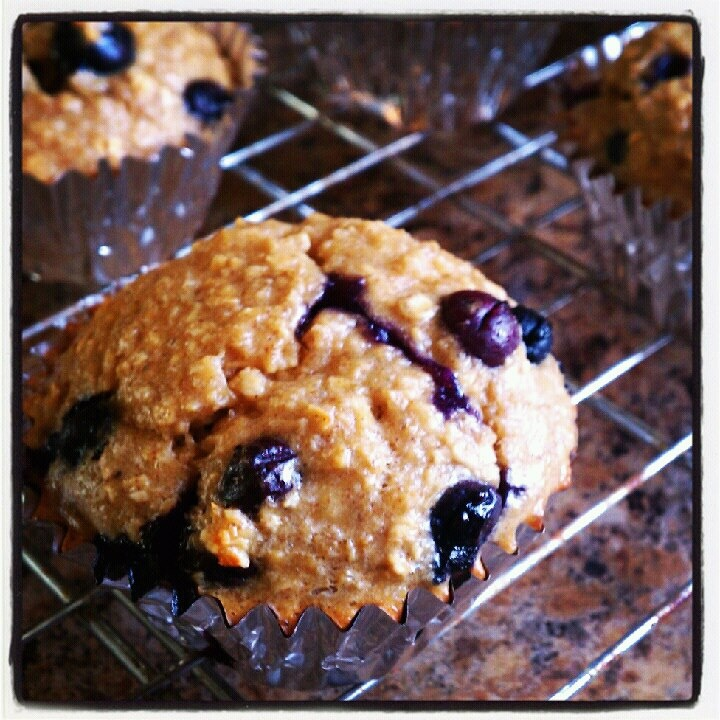 Blueberry Banana Bread Protein Muffin | Healthy recipes | Pinterest
