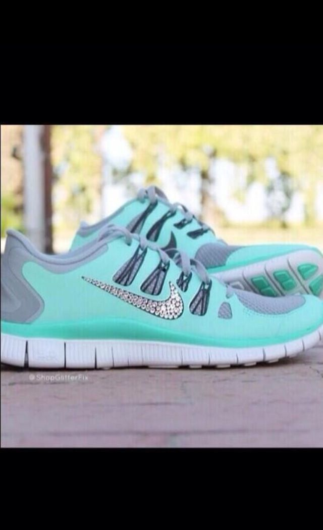 bedazzled nike tennis shoes omg no no gain