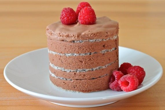 ... http://iadorefood.com/recipes/easiest-chocolate-mousse-layered-cake