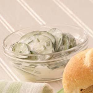 Easy Summer Salad: Chives & Cucumbers in Sour Cream