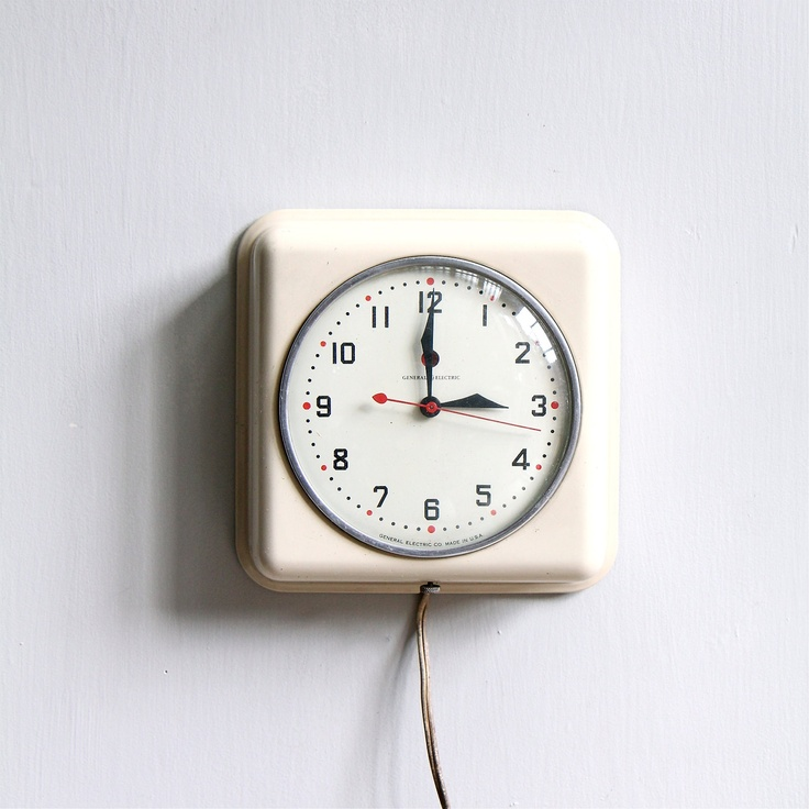 Vintage modern kitchen clock homesteading pinterest - Modern clocks for kitchen ...