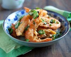 Salt and Pepper Shrimp | Easy Asian Recipes at RasaMalaysia.com