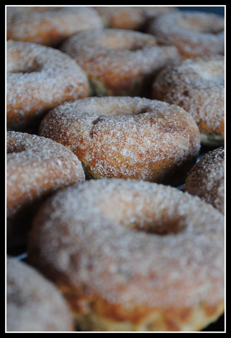 Healthy apple cinnamon doughnuts. These are comin out of my oven this ...