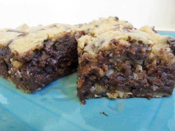 chocalote chip gooey bars | Gooey Chocolate Chip Sandwich Bars Recipe ...