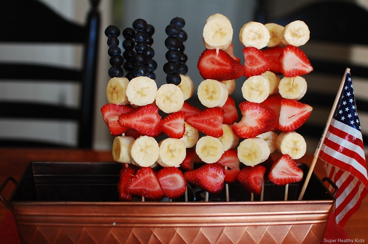 Healthy Red, White, and Blue snacks! Perfect for Memorial Day