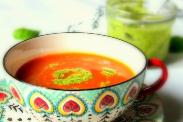Creamy tomato soup with green pesto | Soups | Pinterest