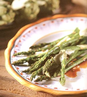 Baked Asparagus with Balsamic Butter Sauce. So easy, so good.