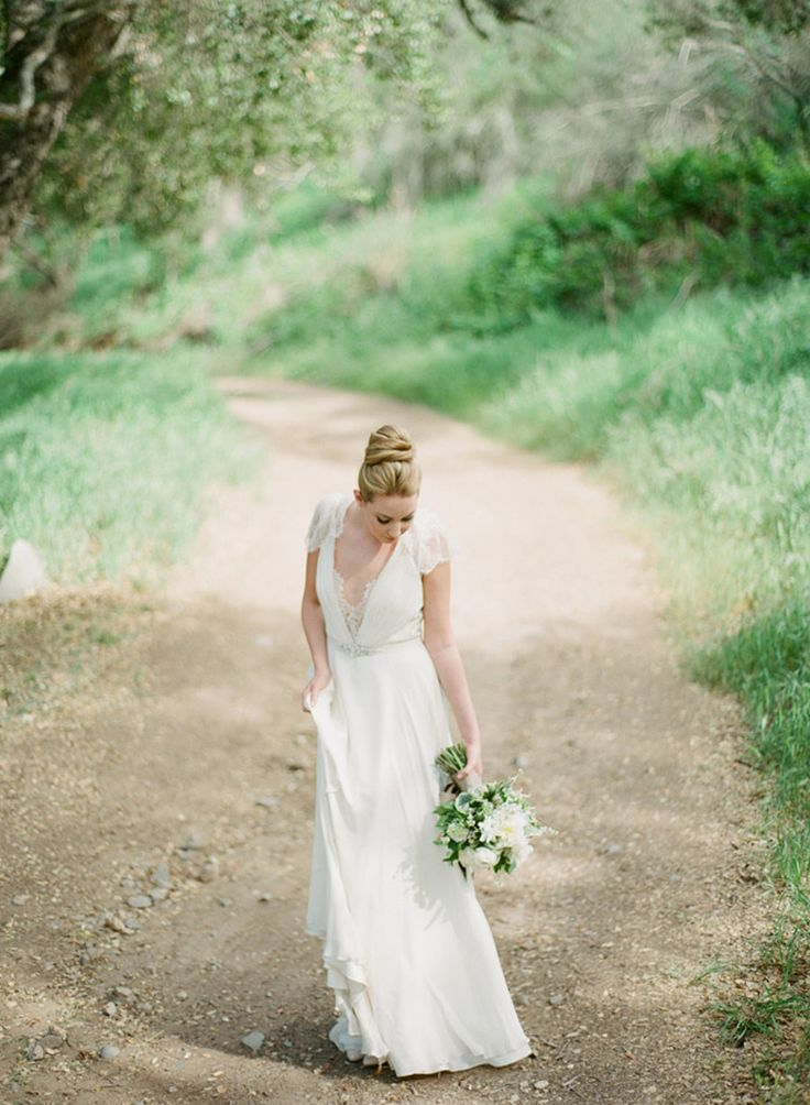 Jenny Packham. Photography: Bryan N. Miller Photography - bmillerweddings.com  Read More: http://www.stylemepretty.com/california-weddings/2014/07/23/organic-dinner-party-wedding-inspiration/