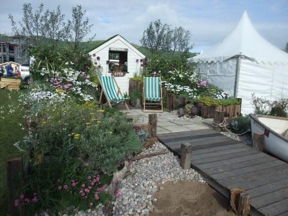 Lovely seaside themed garden idea my style pinterest for Seaside garden designs