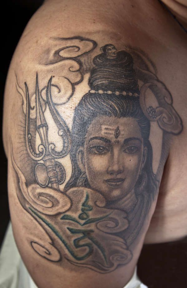 hindu god shiva tattoo awesome tattoos pinterest. Black Bedroom Furniture Sets. Home Design Ideas