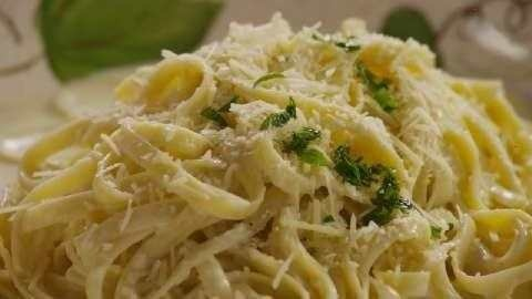 QUICK AND EASY ALFREDO SAUCE | recipes I want to try | Pinterest