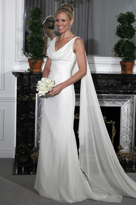 This is a beautiful bridal gown great for a second for 2nd hand designer wedding dresses