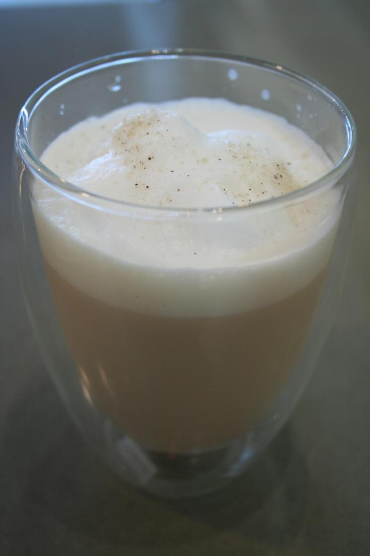 London Fog Tea Latte- Yum Yum! Earl Grey Tea, Vanilla Syrup, Steamed ...